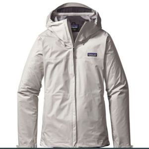 NEW LISTING! Patagonia Jacket in Birch White